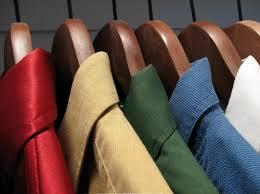 秋の衣替え!防虫剤とクリーニングを上手に使ってお洋服のお手入れを!