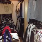 家のクローゼットが狭い!服が収納できない時に保管クリーニングを活用。