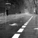 突然のゲリラ豪雨で服がずぶ濡れになった時の応急処置