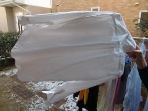 凍った洗濯物