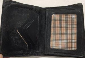 ブランド革財布のカビのクリーニングもお任せください!