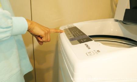 洗濯機を使って手袋を洗濯する手順