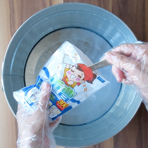 洗濯液を作ります。