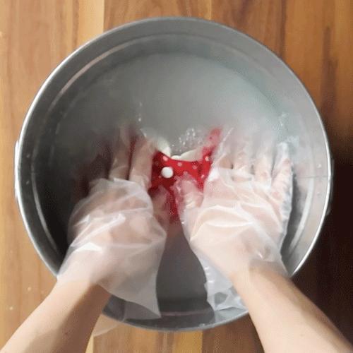 押し洗いをします。