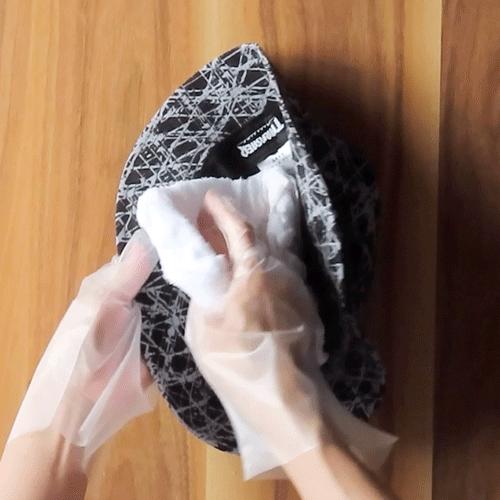 濡れタオルでしっかり拭き取りましょう。