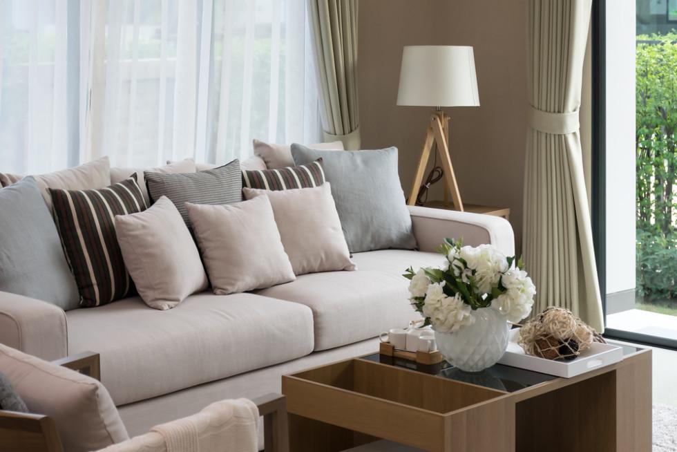 布素材のソファーカバー
