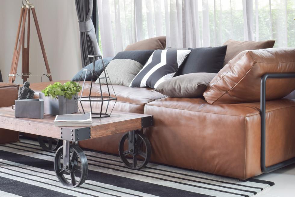 本革素材のソファーカバー